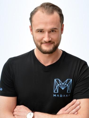 MADANA ICO Dieter Schule